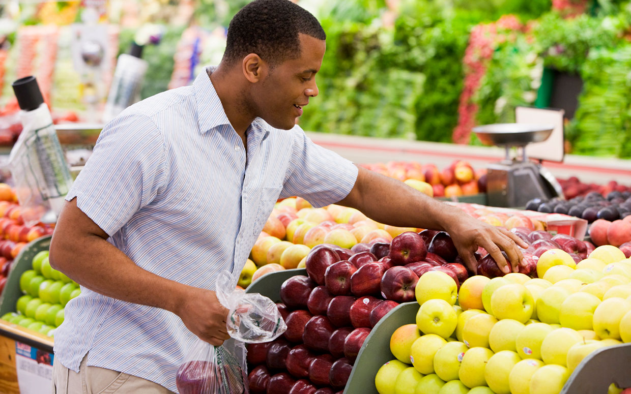 Choosing healthy foods at your grocery store for Shopping cuisine